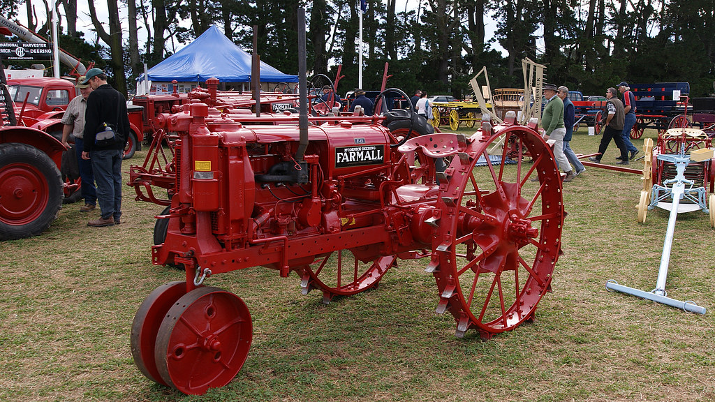 Farmall F 12 : Farmall f tractor production years  flickr