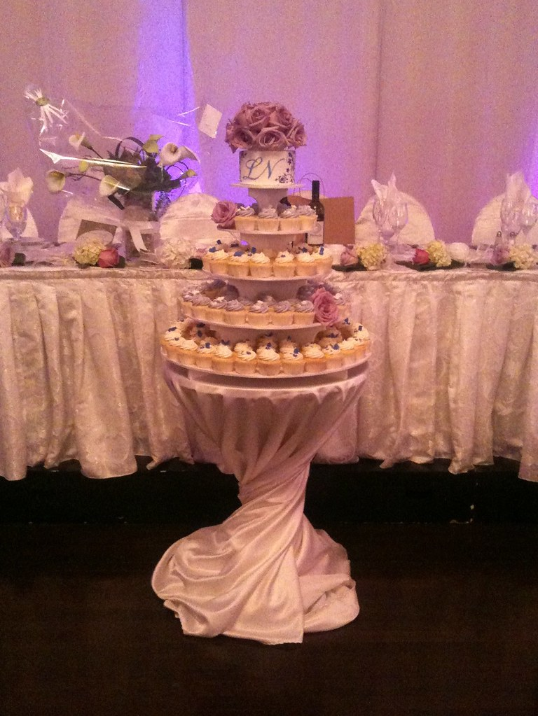 lavender and ivory wedding cupcakes