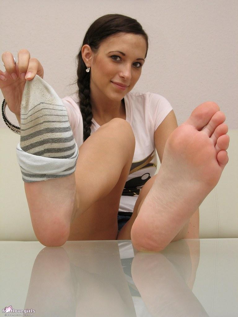 Swoony amateur teen babe in socks Kloe Kane kicks off nice show  1182514