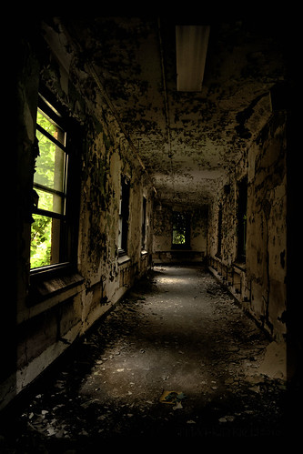 **3MILE SANATORIUM** | by Rich Zoeller Photography