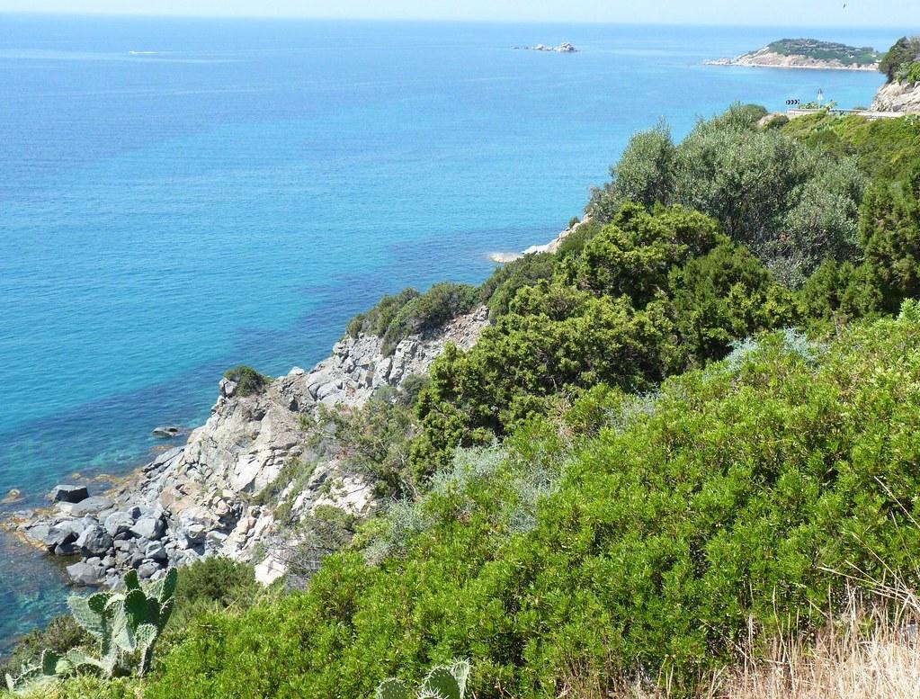 Sardegna la macchia mediterranea sulla costa di villasim flickr - La mediterranea ...