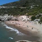 SITGES - Cala Morisca - Maria Teresa - 19 d?ag. 2010 - la platja es fantastica . encara queno surti a les especifi te parquing de pagament