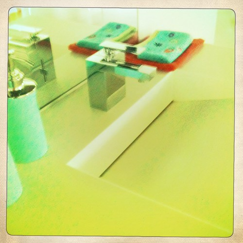 Plan vasque kubik pour meubles majik vasque design kubik e flickr - Meuble de salle de bain lido ...