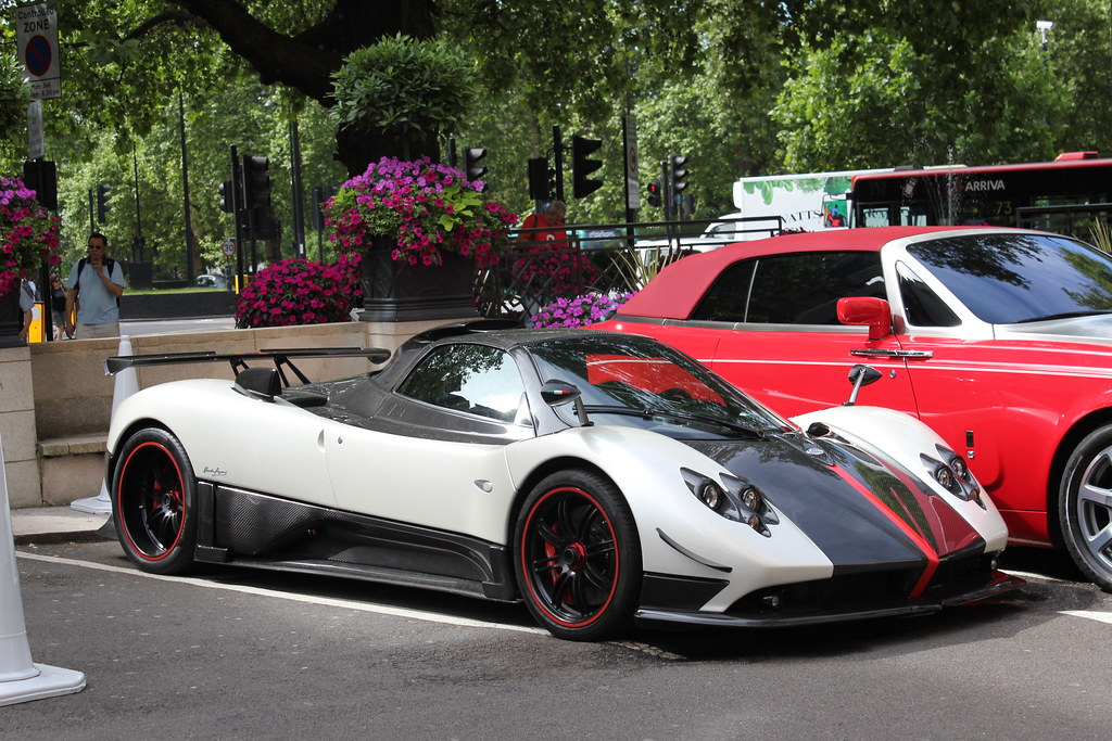 Pagani Zonda Cinque Roadster | This is the 5th of 5 Cinque R… | Flickr