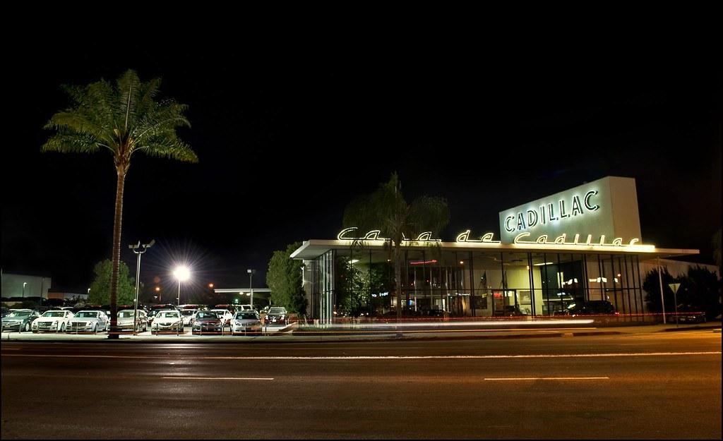 Casa De Cadillac View On Black Ventura Boulevard