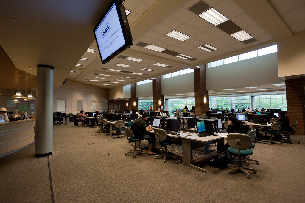 Bellevue College Interior Design bellevue college nbuilding computer lab | bellevue college | flickr