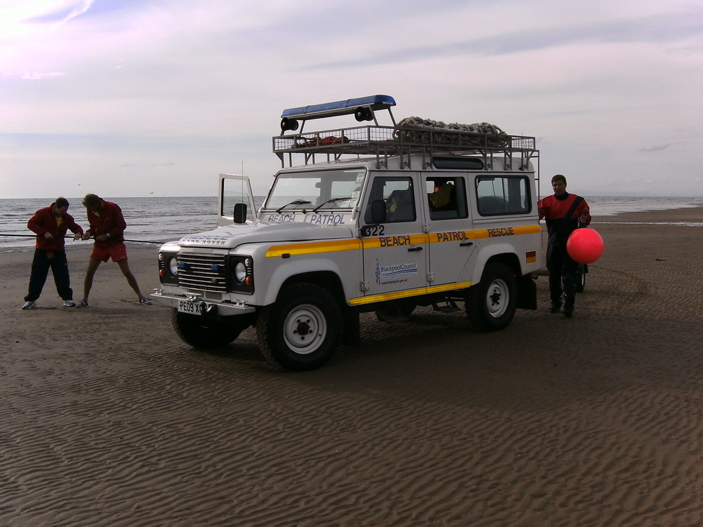 Land Rover Logo Images >> Blackpool Beach Patrol Land Rover | Ray | Flickr