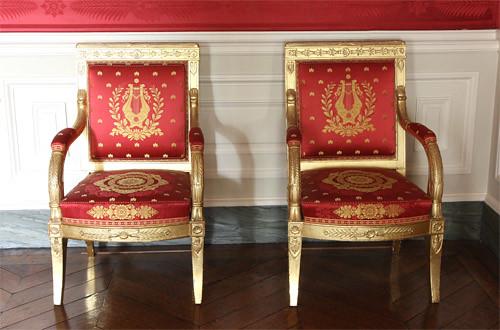 Les fauteuils salon rouge flickr photo sharing for Fauteuil salon rouge