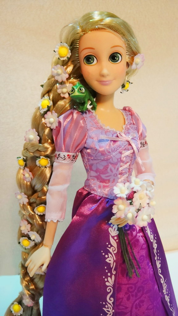 disney store 12 tangled rapunzel doll got her yesterday flickr. Black Bedroom Furniture Sets. Home Design Ideas