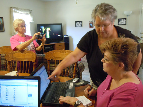 Red Hat Sistah's Computer Class at Patsy Casteen's home, Sept. 9, 2010 | by Old Shoe Woman