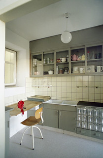 Frankfurt Kitchen 1926-1927 | by JoeInSouthernCA