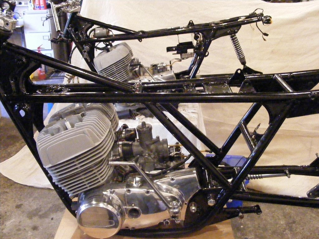 suzuki gt500 titan cafe racer. | currently under constructio… | flickr