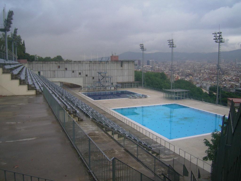 092 barcelona spain 1992 olympics swimming pool on mo for Barcelona pool garden 4