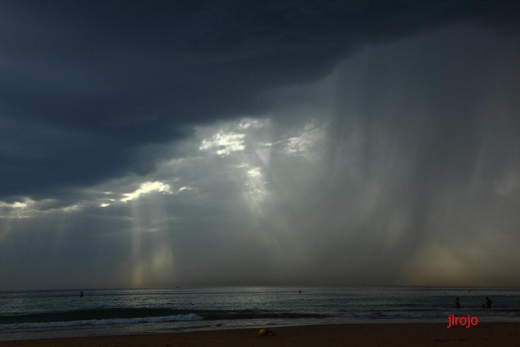 Tormenta En El Mar (Zahara De Los Atunes)
