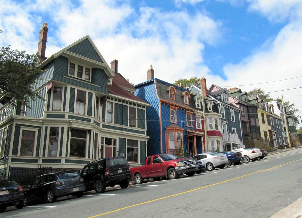 Steep street pretty victorian houses downtown st john 39 s for Newfoundland houses