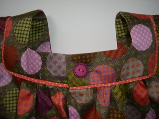 Blouse à pastilles | by helenepiano