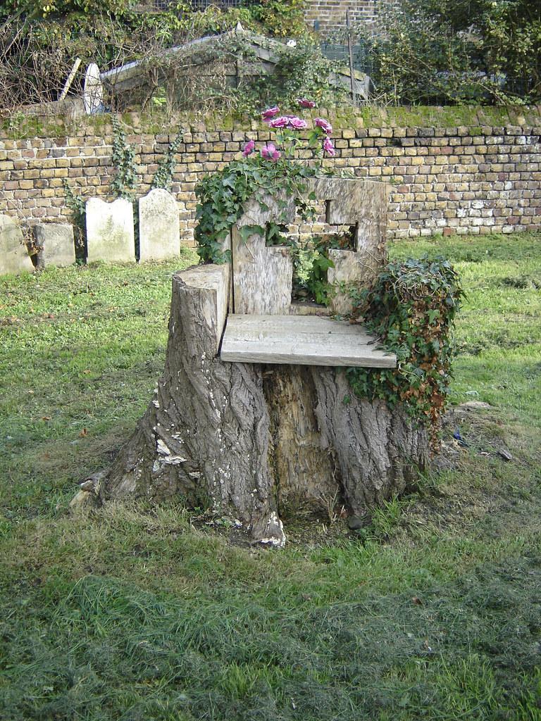 Tree Stump Seats Tree Stump Altar Or Seat St Margarets Of Antioch Church Flickr