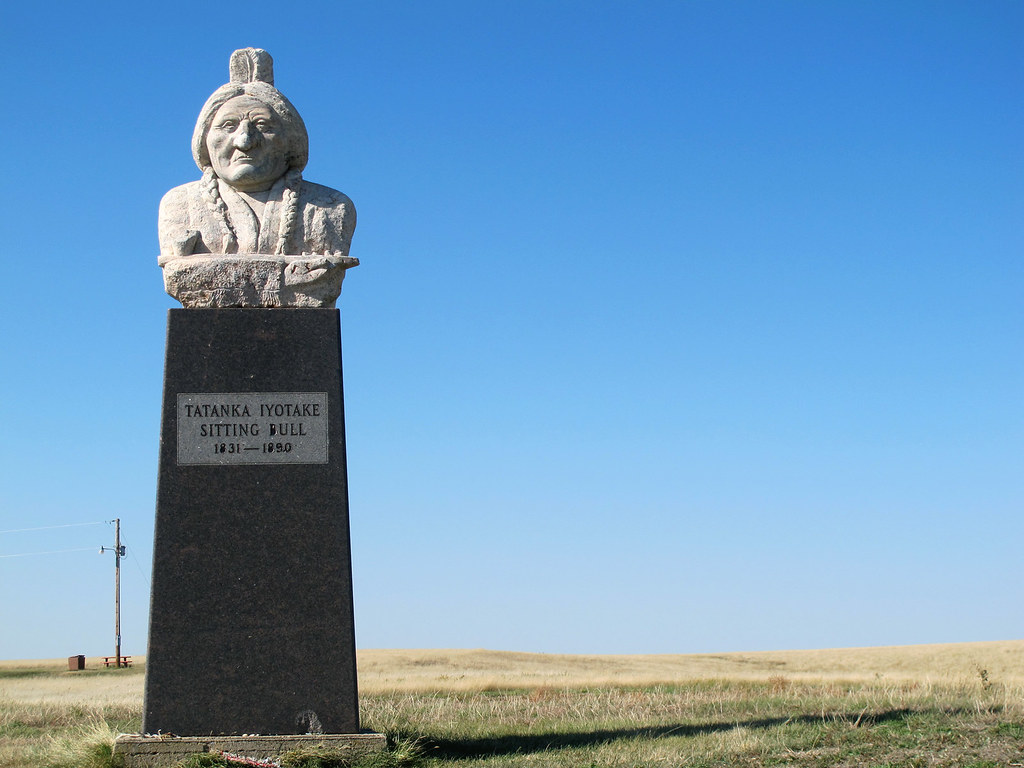 Sitting Bull Monument 1 | across the river from Mobridge ...