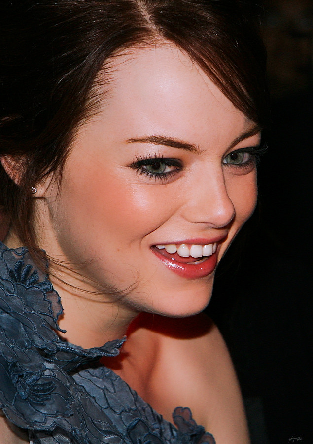 Is Emma Stone Hair Naturally Curly
