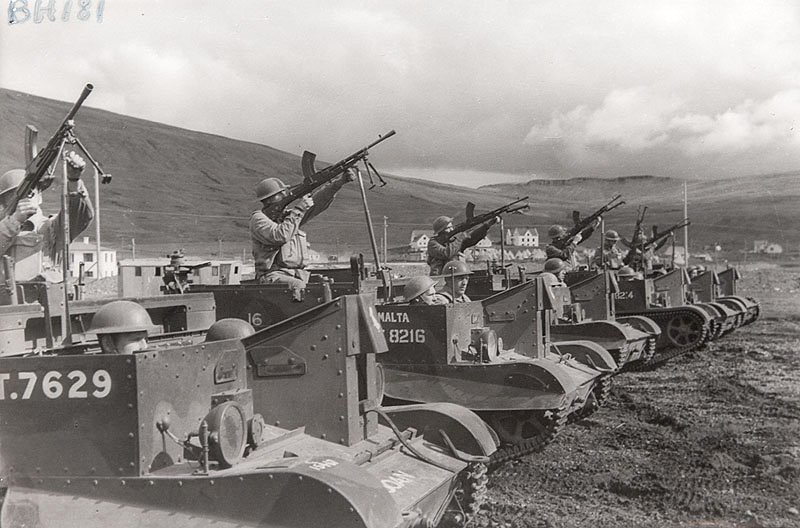 Universal Carrier armoured WW2 vehicles | One of a batch ...