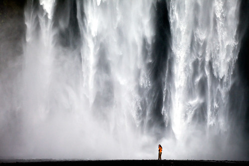 Waterfall shower (Skógafoss - Iceland) | by Kiko Yera