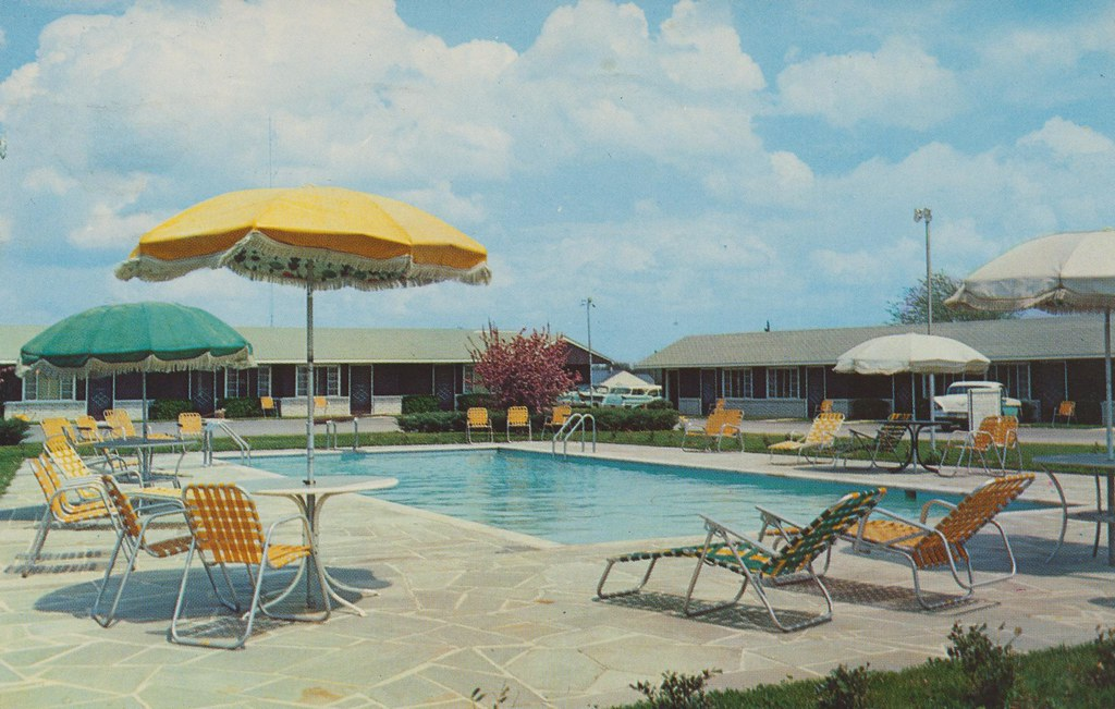Cumberland Motel - Manchester, Tennessee