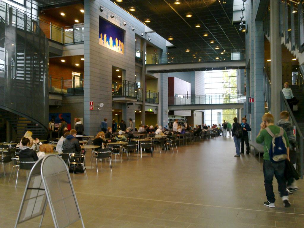 Sammon keskuslukio, aula vasen | Johanna | Flickr