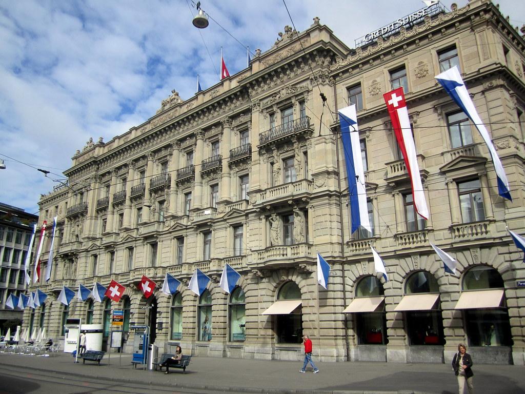 Zürich: Paradeplatz - Hauptsitz der Credit Suisse | The