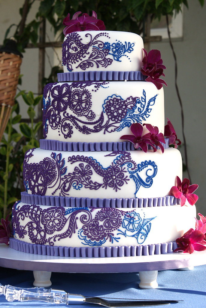 Purple And Blue Henna Wedding Cake This Henna Inspired Wed Flickr