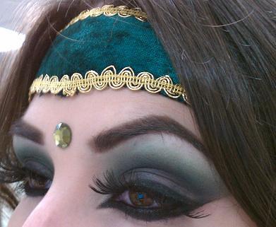 Arabic style eye makeup   MAC Blacktrack Fluidline ...