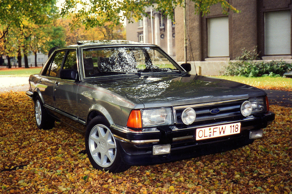 ford granada 2 8i ghia this photo was taken by owner. Black Bedroom Furniture Sets. Home Design Ideas