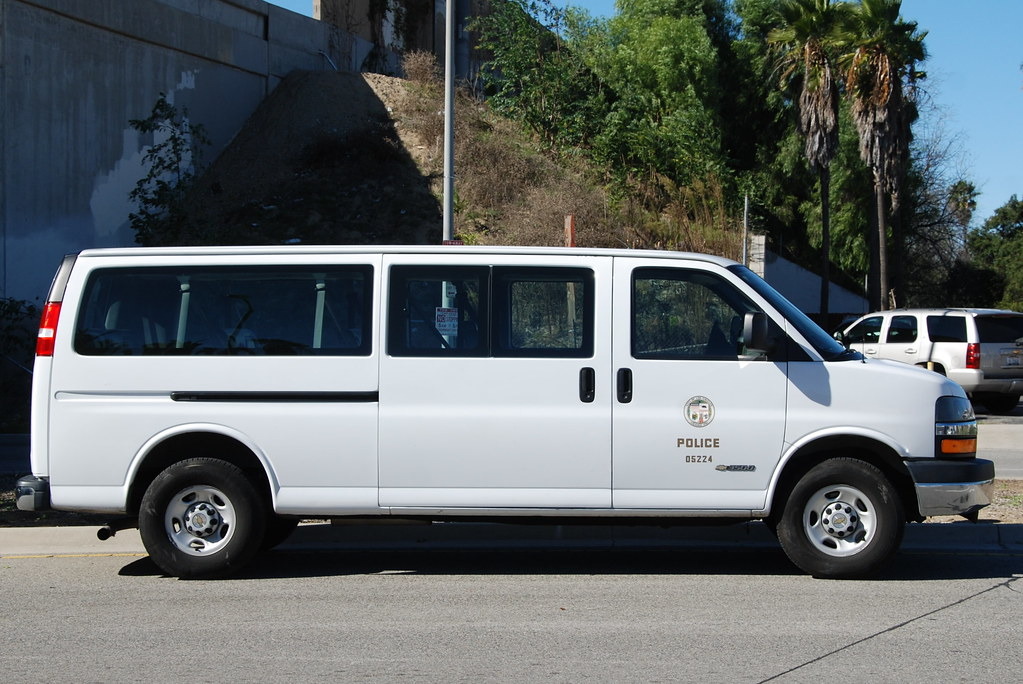 Ford Transit Passenger Van >> LOS ANGELES POLICE DEPARTMENT (LAPD) - CHEVY EXPRESS PASSE… | Flickr