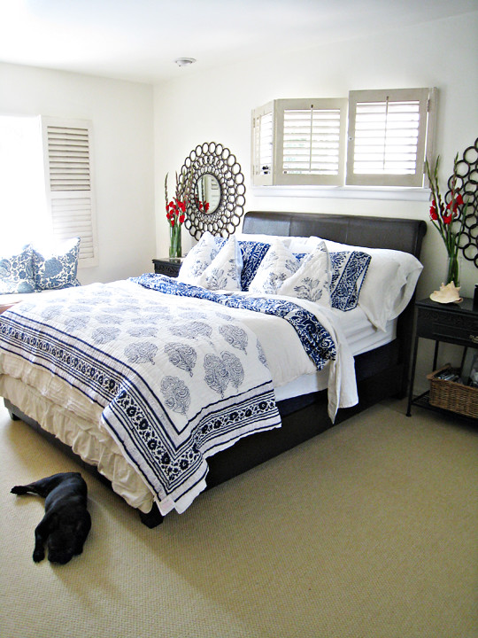 Blue and white bedding master bedroom ideas tropical beach Blue beach bedroom ideas