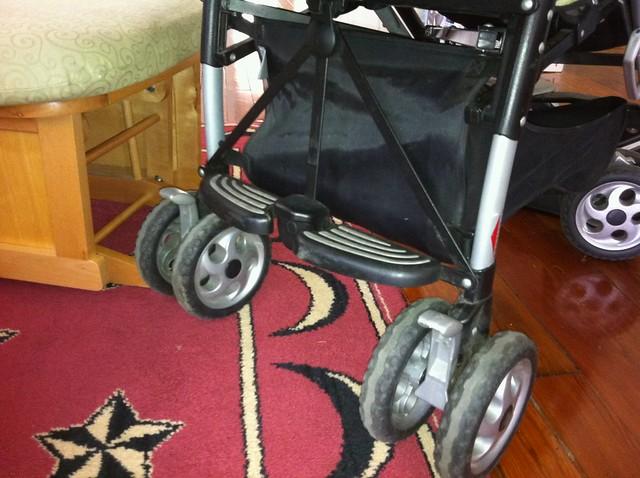 Peg Perego Pliko P3 Stroller And Primo Viaggio Infant Car