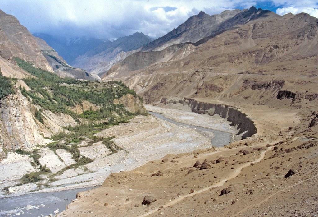 Terraza valle del hunza pakist n 01 banco de for Terrazas fluviales