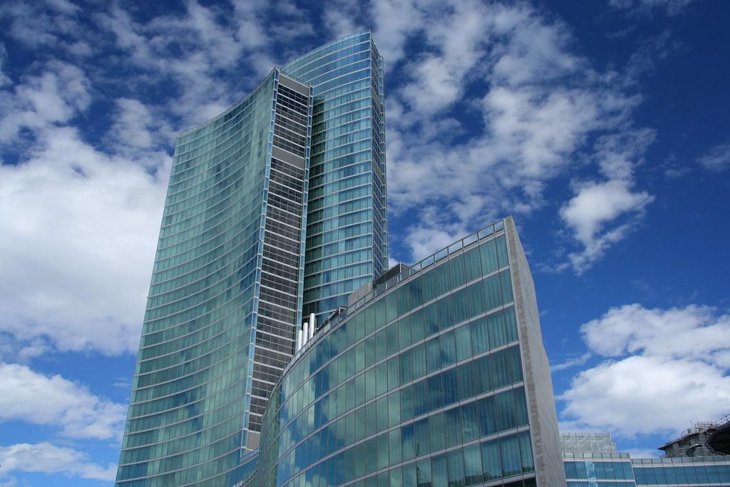 Milano palazzo lombardia the new hq of regione for Palazzo a 4 piani