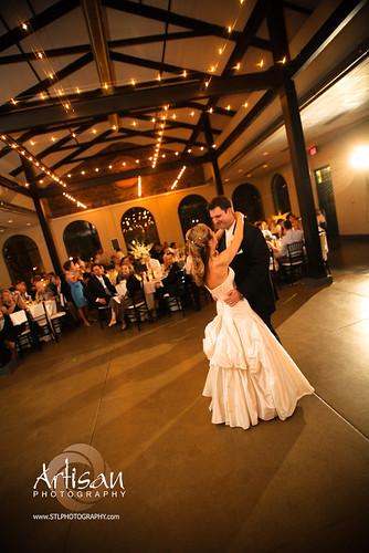 Lea Ann Belter Bride Kelly Wearing Isabella Image By Arti