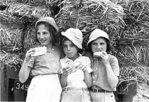 middlebury center single jewish girls Discover and compare 146 summer camps in vermont more than 2 million parents every year book their perfect camp on mysummercamps find your camp today.