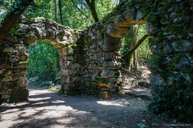 Interior de la Porta de Siloé en Buçaco