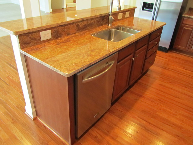 Large Center Island With Sink Dishwasher And Room For