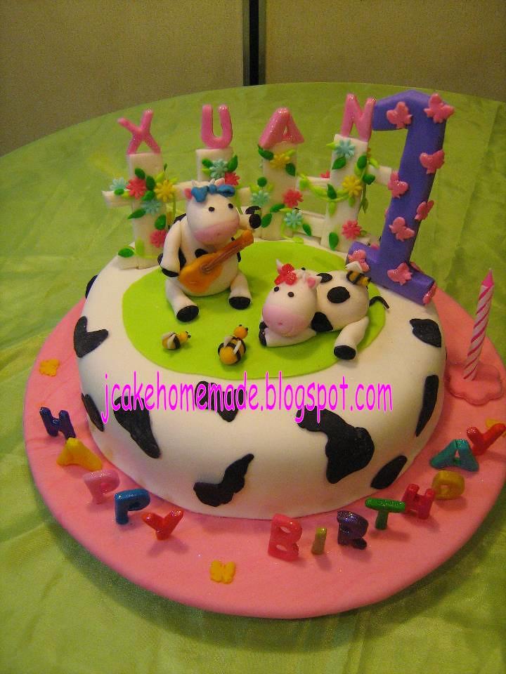 Cow Theme Birthday Cake Happy 1 St Birthday Chow Xuan Tha Flickr