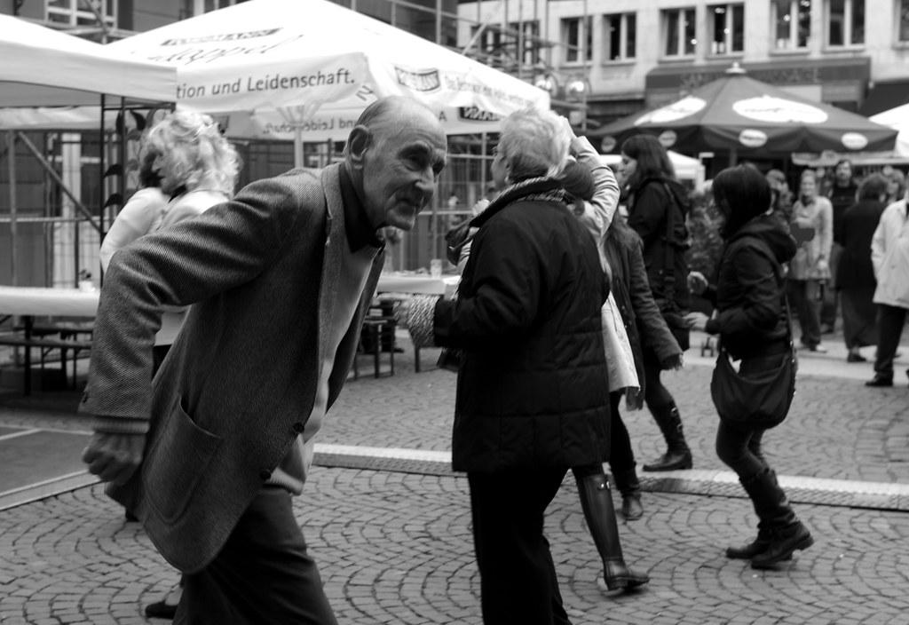 Keep dancing iv weinfest liebfrauenberg frankfurt the for Liebfrauenberg frankfurt