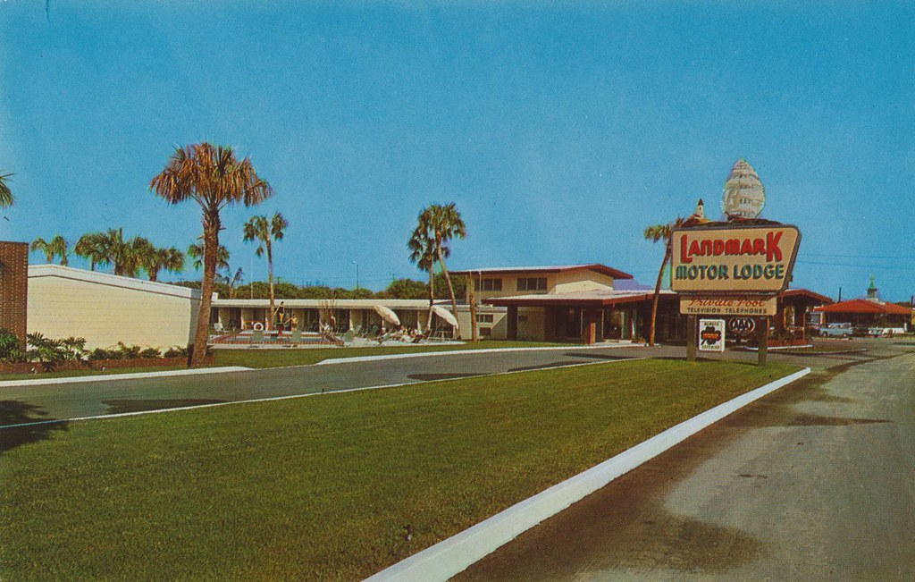 Landmark Motor Lodge and Howard Johnson's Restaurant - Winter Haven, Florida