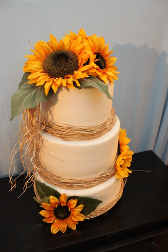 Sunflower Wedding Cake At Home Just Before Pickup Flickr