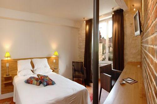 Une chambre pur e et design dans un ancien moulin l 39 hote for Hotel design bourgogne