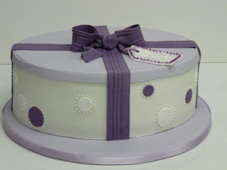 Geburtstagstorte Geschenk Schachtel Lila Www Suess Und Sal Flickr
