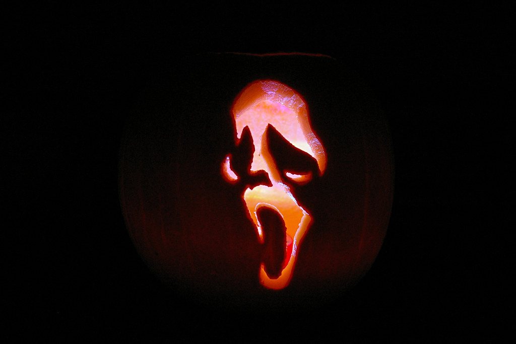Scream ghost face pumpkin 2010 an old favourite redone for Scream pumpkin template