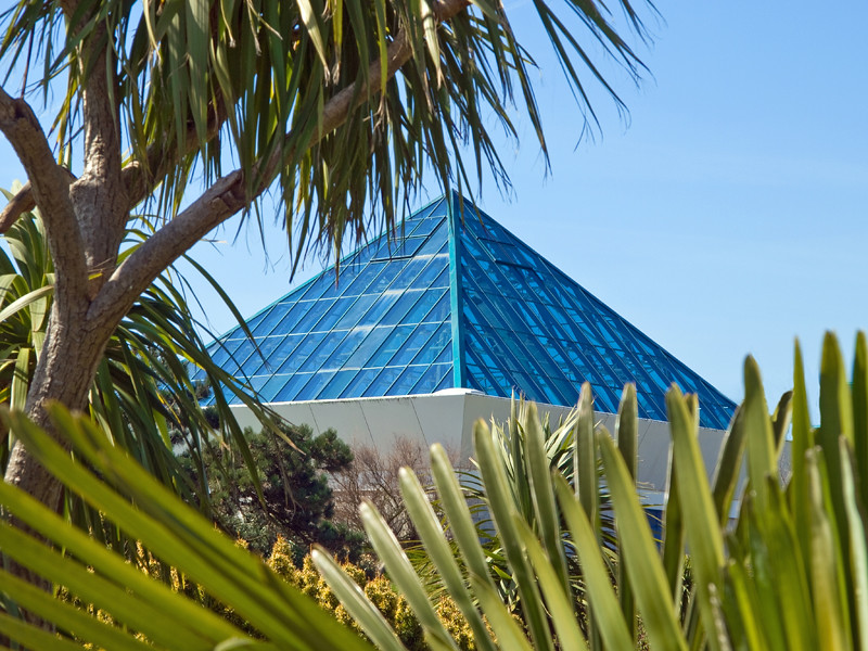 Pyramid r southsea or egypt the sothsea pyramids are re flickr for Pyramid swimming pool portsmouth