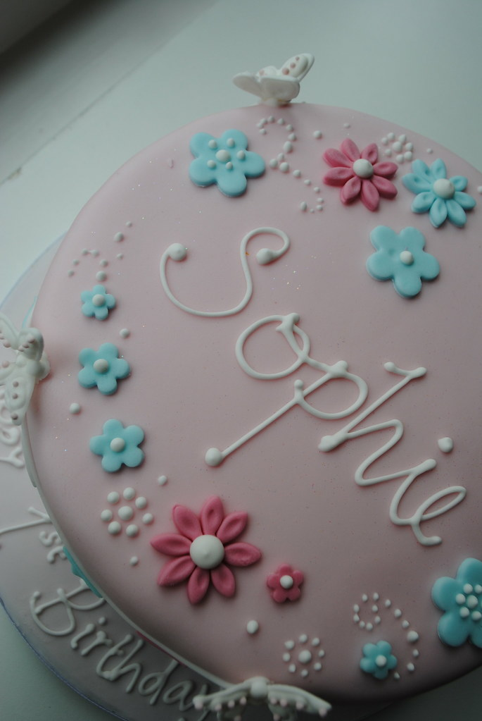 Images Of 1st Anniversary Cake : A First Birthday Cake for Sophie www.bathbabycakes.com ...
