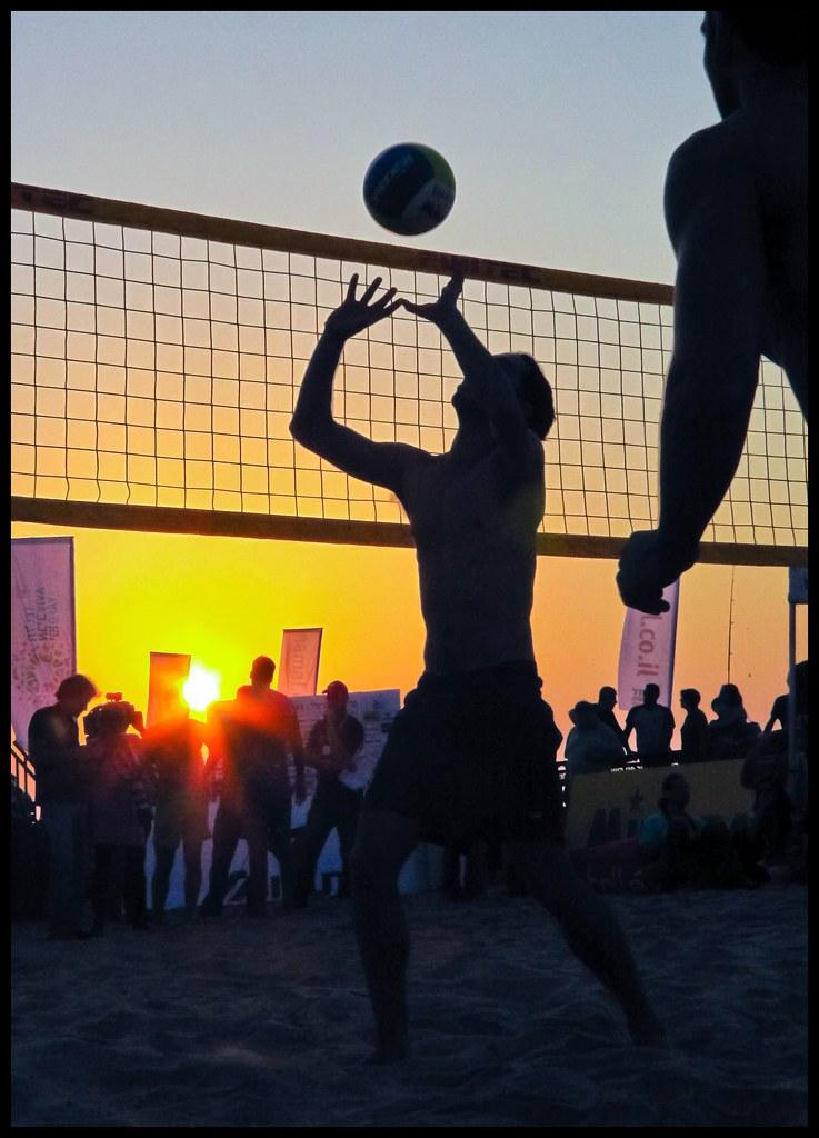 Beach Volleyball: Suns...